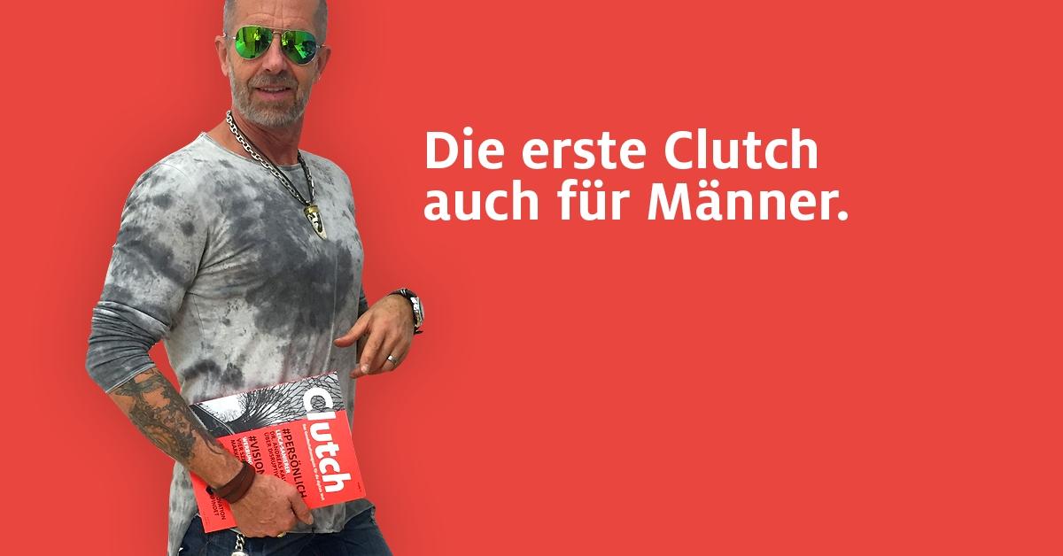 Chefredakteur_der_Erstausgabe_Gerhard_Buzzi_traegt_Clutch_warm_red