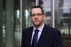 Tobias Looschelders ist langjähriger Experte für digitale Kommunikation, Webseitenoptimierung und Web-Analyse.