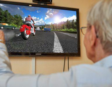 Retrobrain bringt mit der memoreBox therapeutische Videospiele ins Altenheim (Bild: Retrobrain)